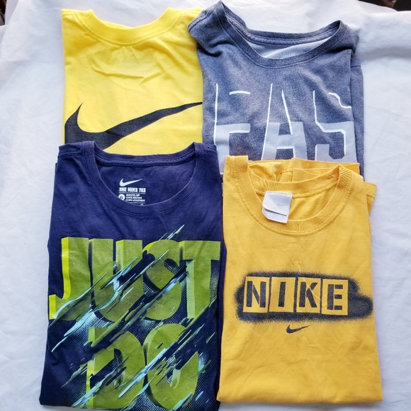 Nike Other - Nike Men's T-shirt bundle lot of 4 size XL